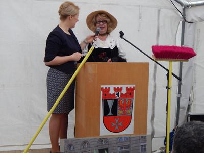 Dr. Franziska Giffey und Primel Paula