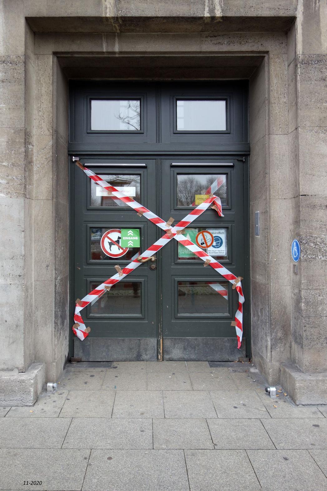 Eingang Rathaus Spandau