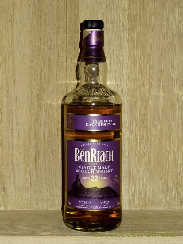 BenRiach 22 y, 46 v%, finished in Dark Rum Casks - OB - 12.25 -malzige Nase, dunkle Schokolade im Gaumen, ein toller Tropfen!