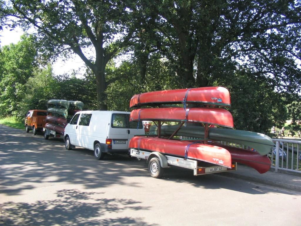 Kanutransport - wir bringen die Boote zur Einstichstelle und holen sie am Ende der Tour wieder ab
