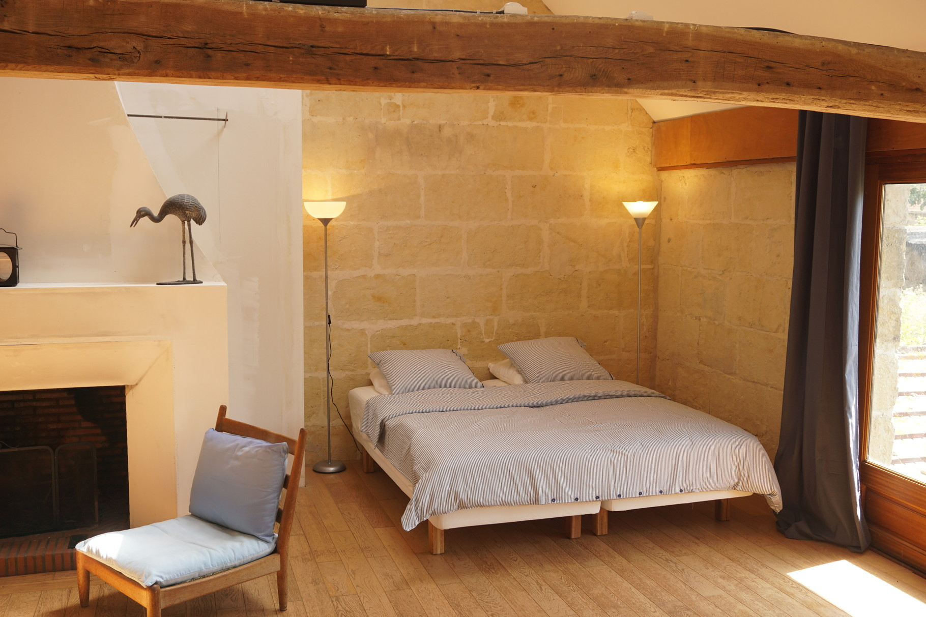 Grande chambre de la grange de la bergerie - Gite Aisne