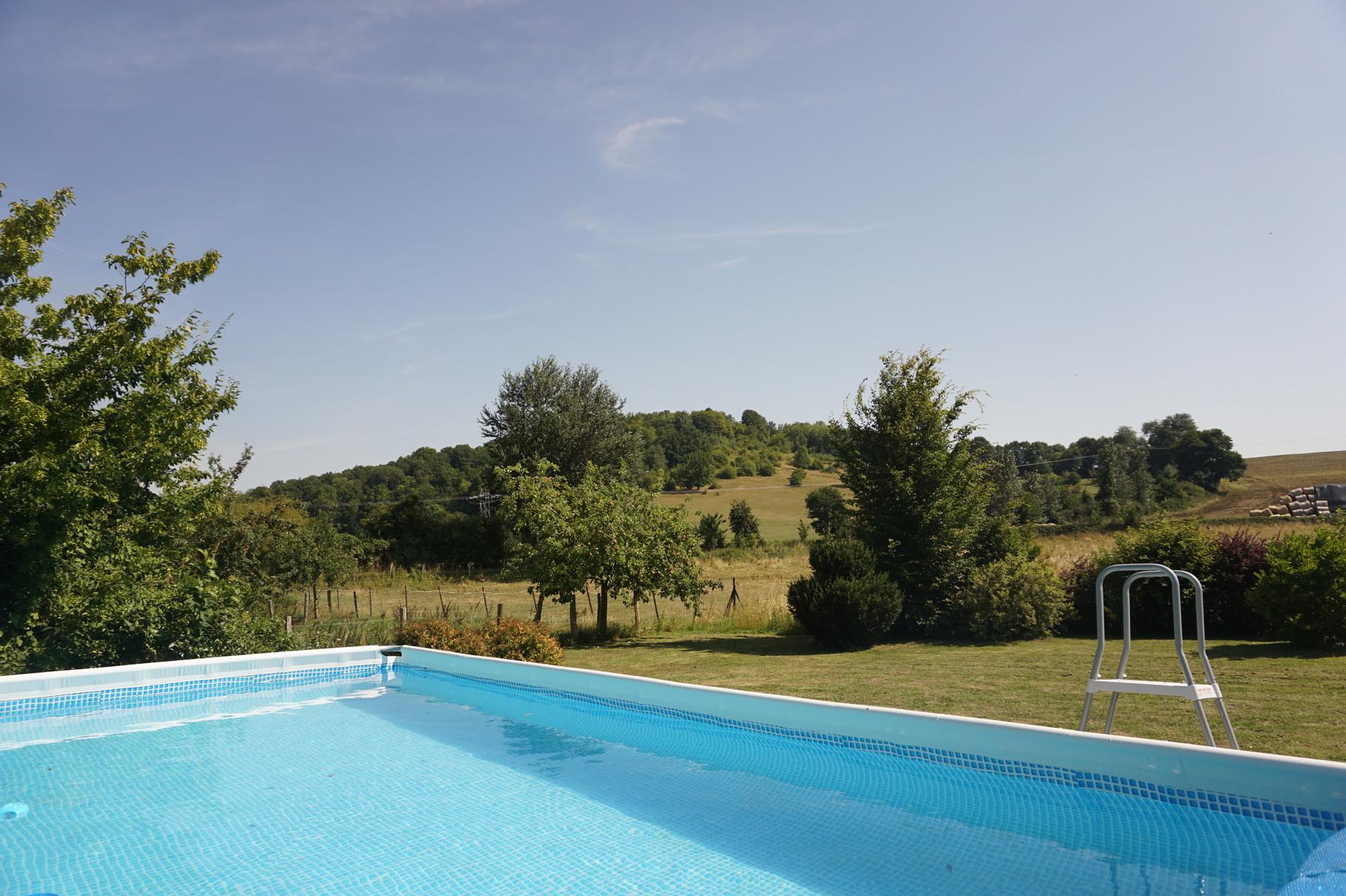 Grande piscine hors sol - Gite Aisne