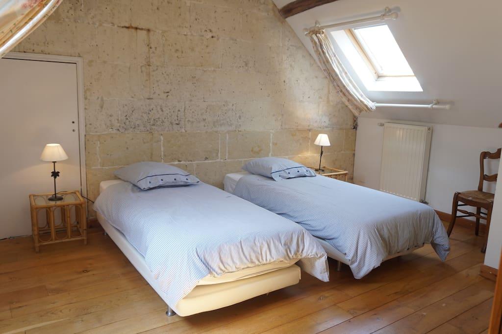 Chambre double n4 du 1er étage de la bergerie - Gîte Aisne