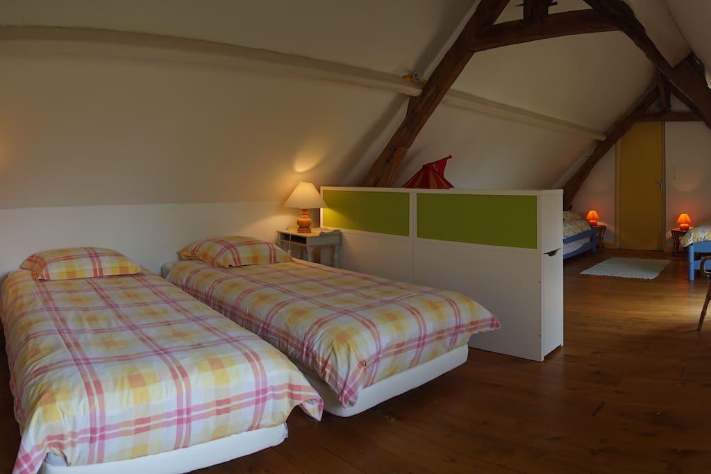 Grande chambre 4 lits - Gite Aisne