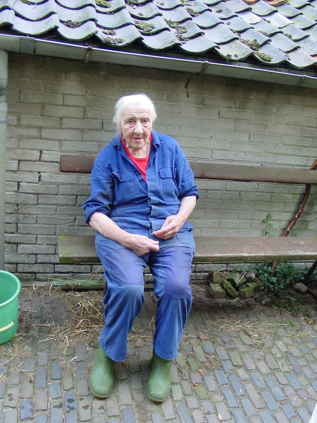 De pose van Anna Reintjes als voorbeeld.
