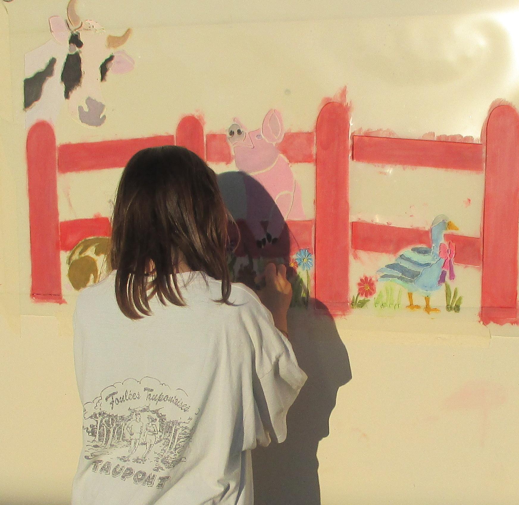 Elisa, artiste à l'oeuvre