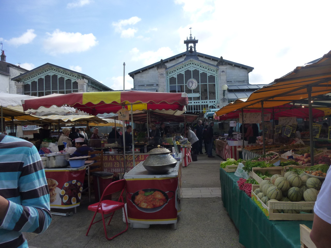 Les halles et le marché