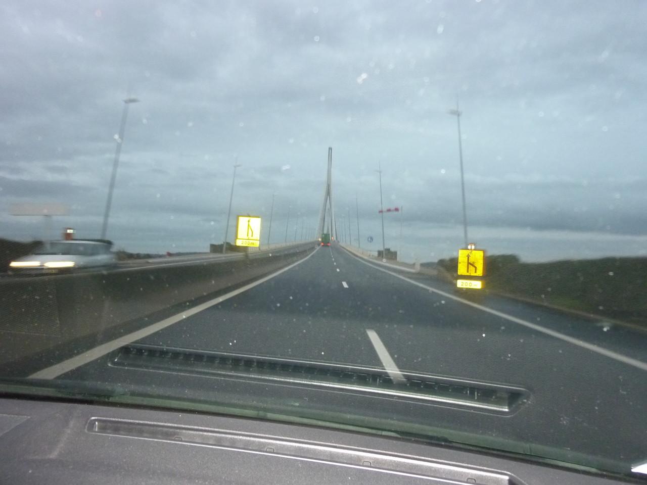 Nous prenons le pont de Normandie