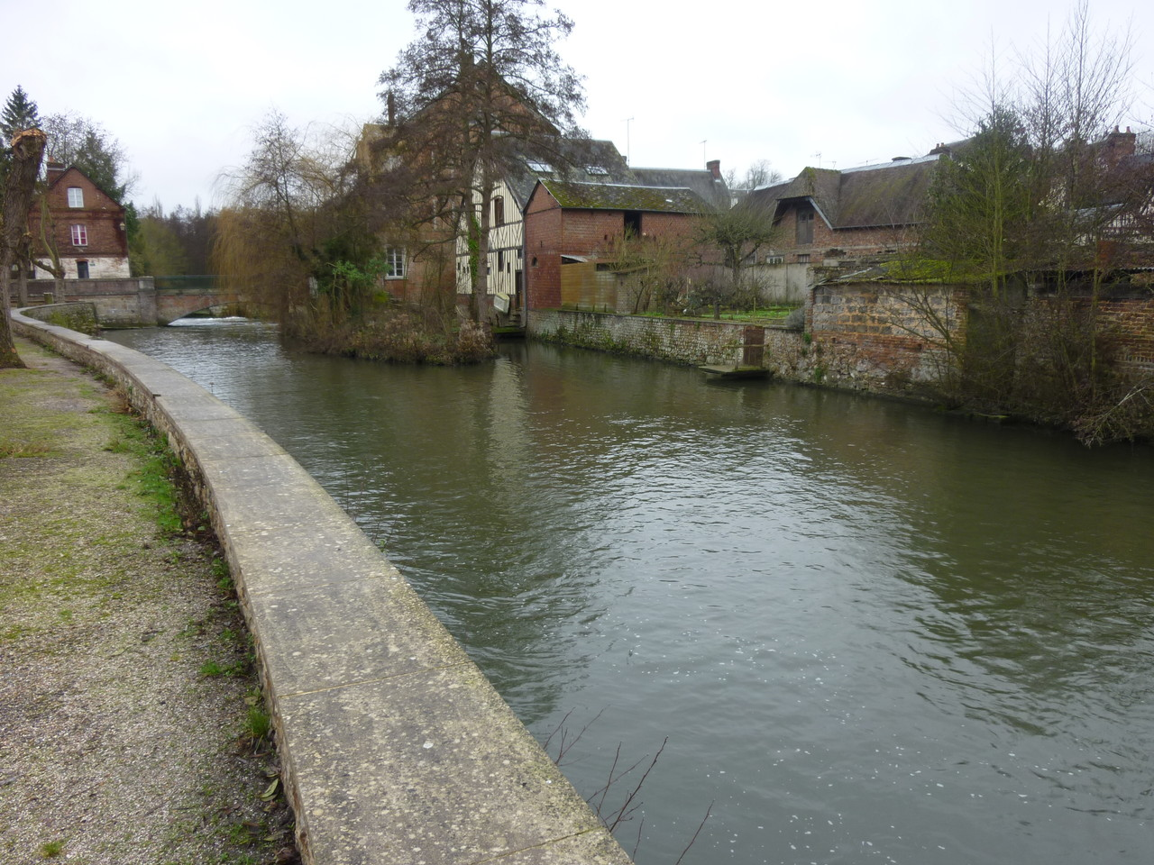 Le petit village de Broglie