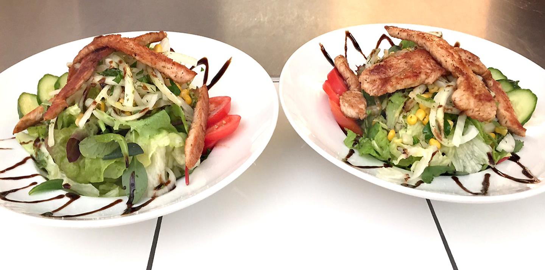 Putenstreifen-Salate frisch aus der Küche !