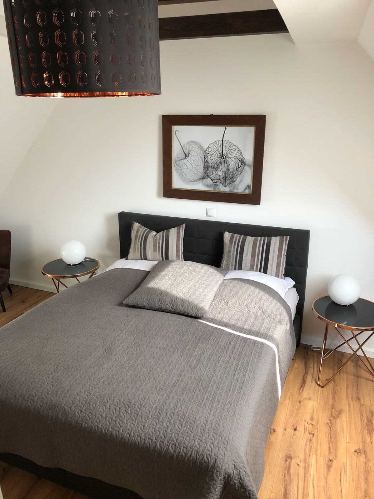 Ferienwohnung Schwerin - Schlafzimmer mit Bxspringbett