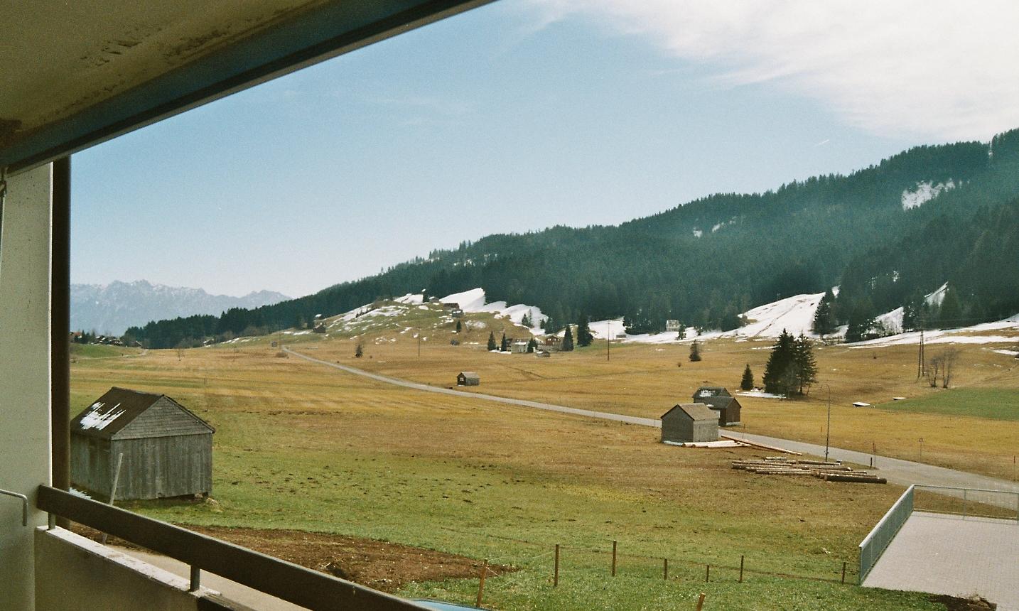 Aussicht vom Balkon auf das Munzenriet und die Kollersweid