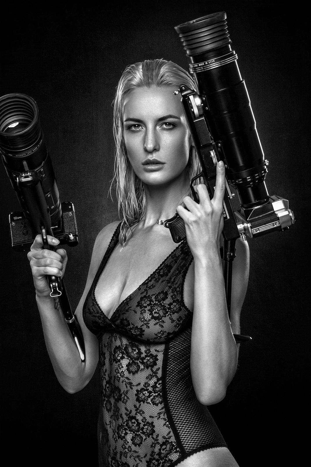 Two Beauties - Rosmarie & 2 Zenith Photosniper FS-3 KMZ - Markus Hertzsch - Camera - Girl