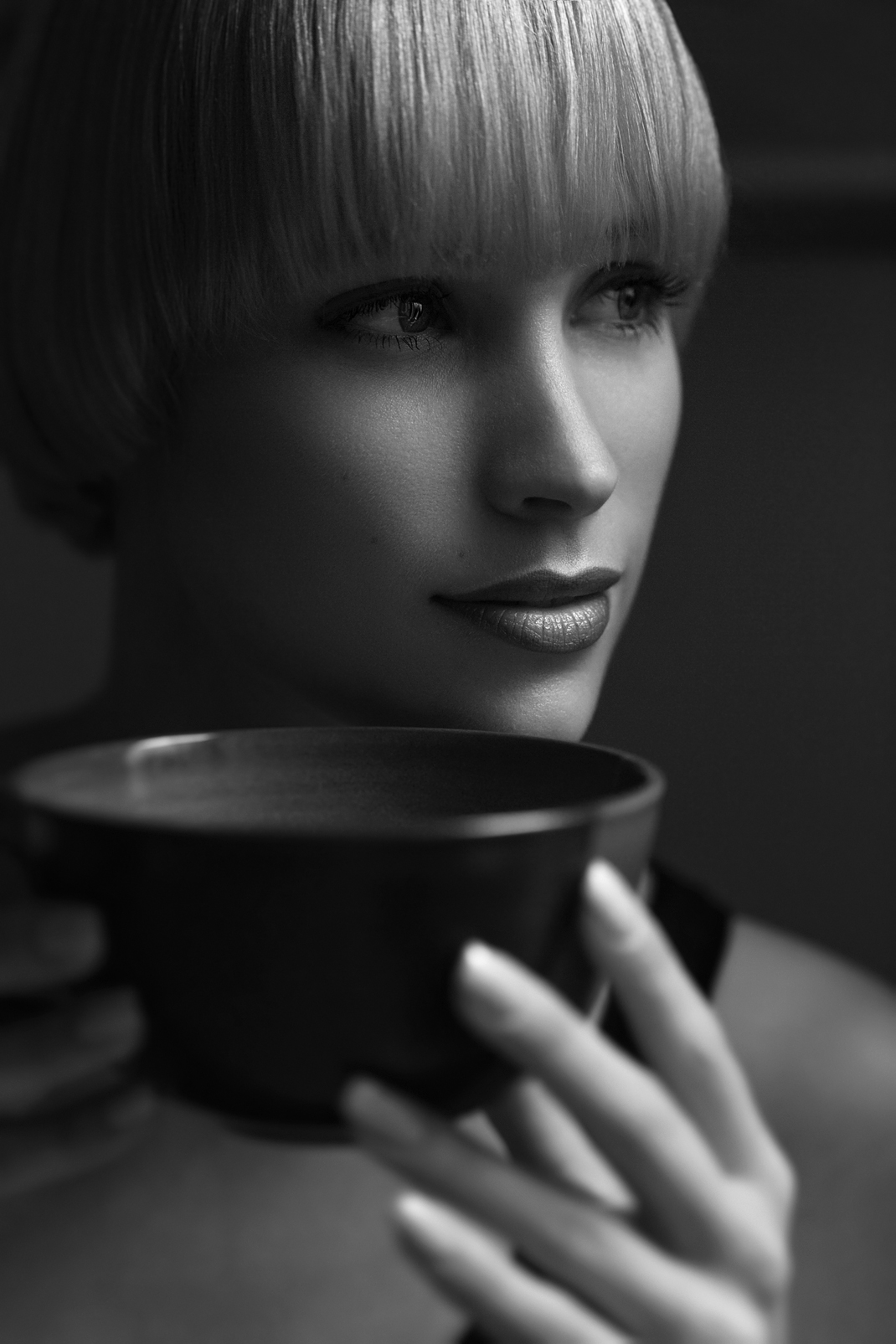Portrait - Markus Hertzsch - B&W - Girl - Model - Bildlook - Face - Pose - Art - Hair - Eyes - Tea - Jane - Cup