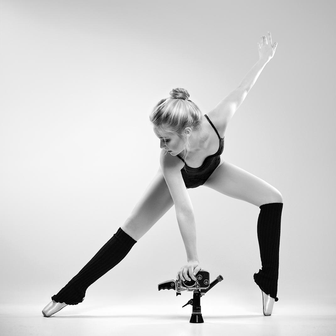 Two Beauties - Antonia & Bolex Paillard 8mm - Markus Hertzsch - Camera - Girl - Ballett