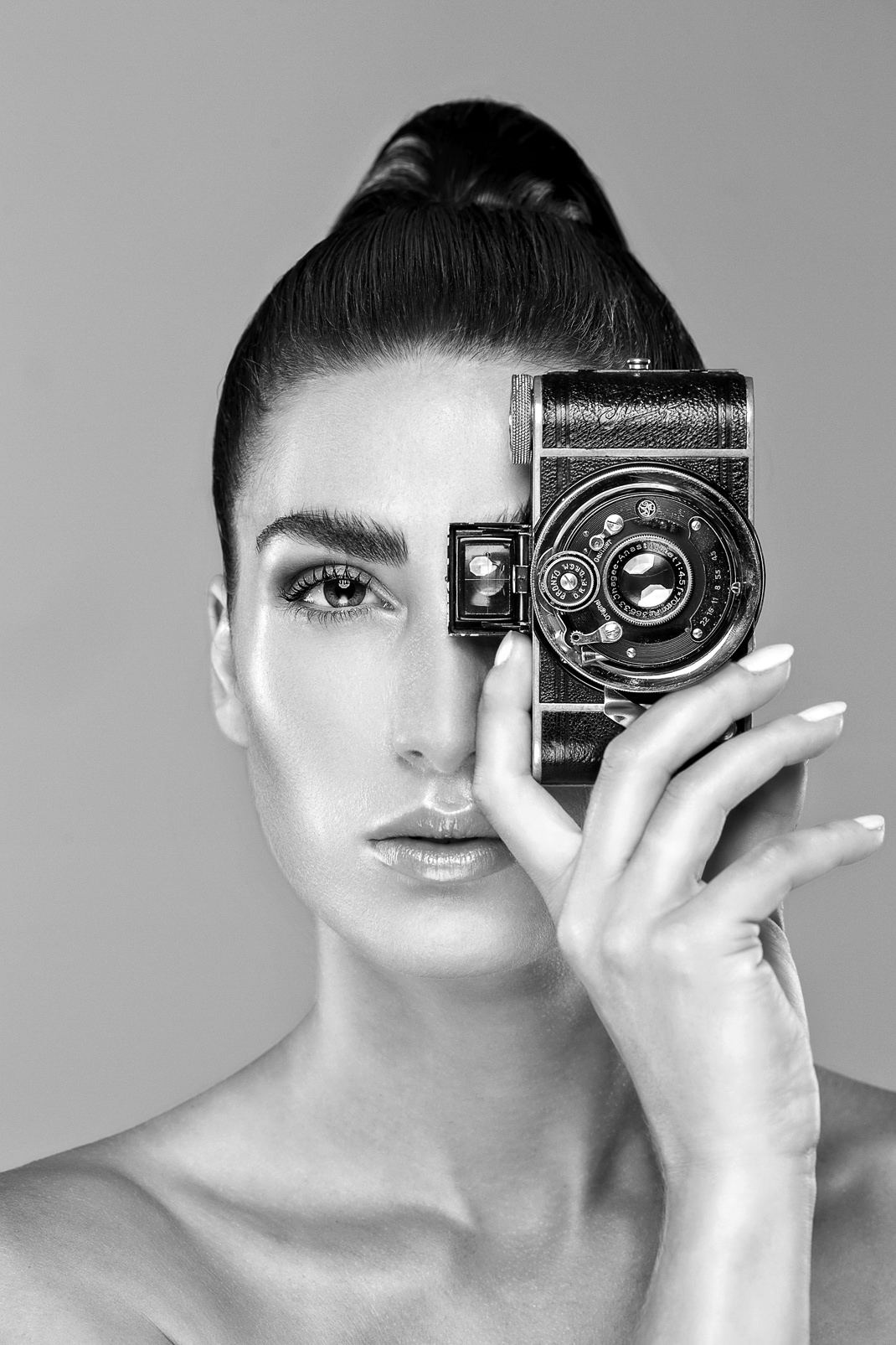 Two Beauties - Carolin & Ihagee Parvola - Markus Hertzsch - Camera - Girl