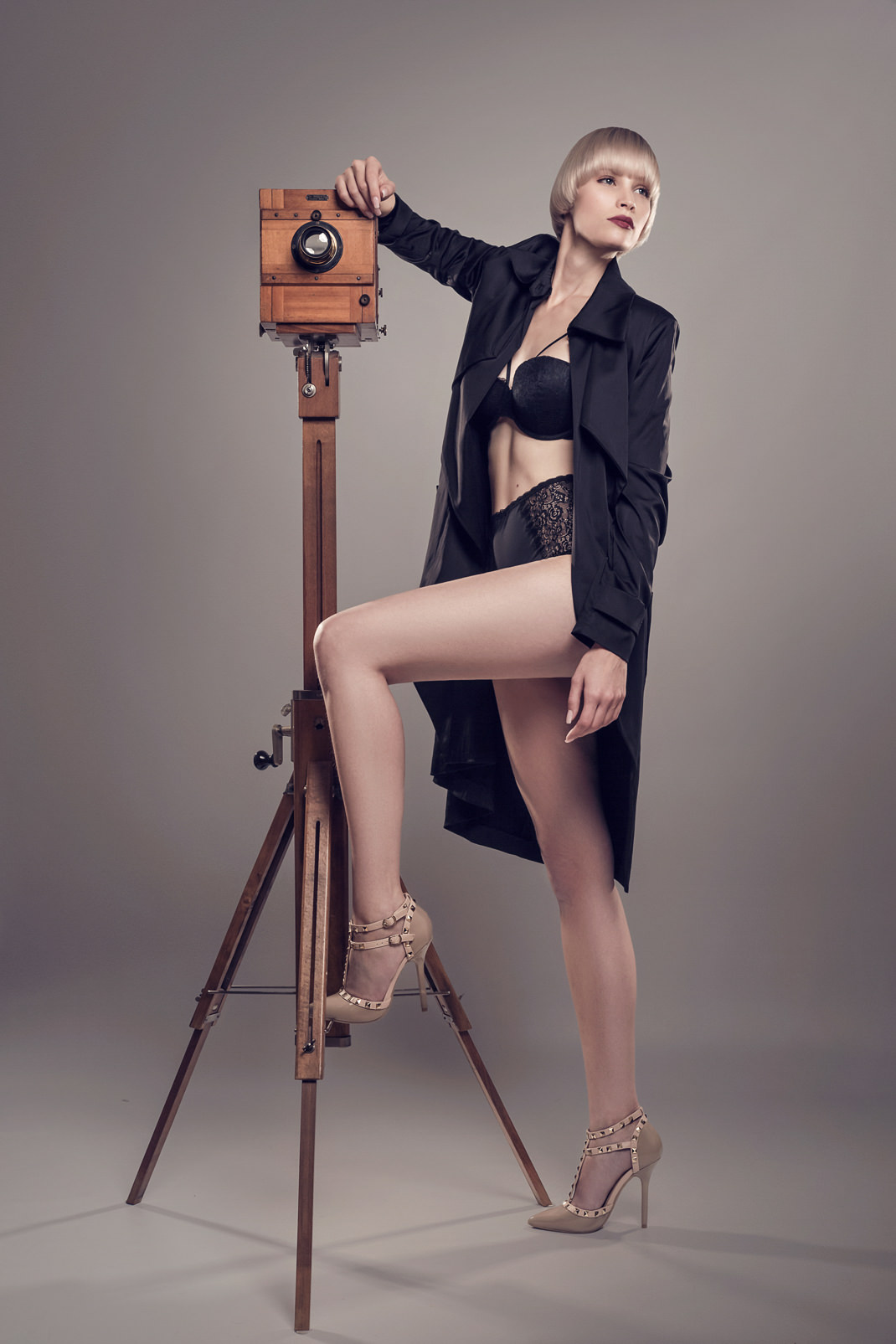 Two Beauties - Jane & Dr. Höhn & Co Tropical Camera - Markus Hertzsch - Camera - Girl