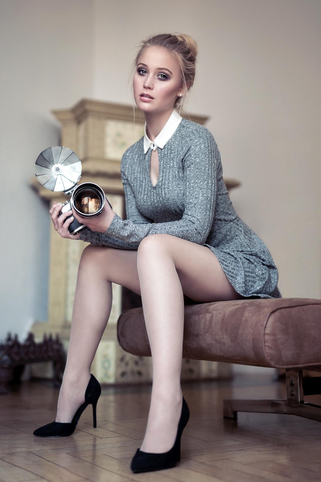 Two Beauties - Antonia & Voigtländer Bessamatic with Super Dynarex 200 - Markus Hertzsch - Camera - Girl