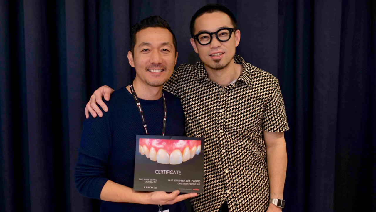 A commemorative photo with the performer, Mr. Hasegawa. I was able to have a friendly chat even though it was my first time meeting, probably because I had communicated through SNS in advance, or because of his personality.