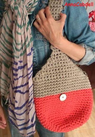 Bolso hecho de ganchillo con cinta de Miss Kits -Kit Santorini-.
