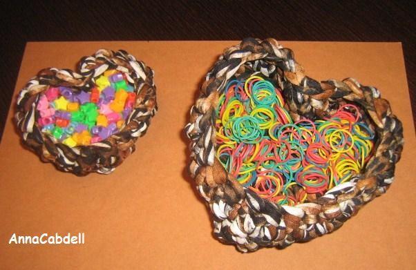 Cestas de trapillo en forma de corazón con TRAP-ART.