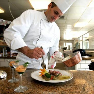 Hervé Gely, patron du restaurant Le Cigalon à Flayosc