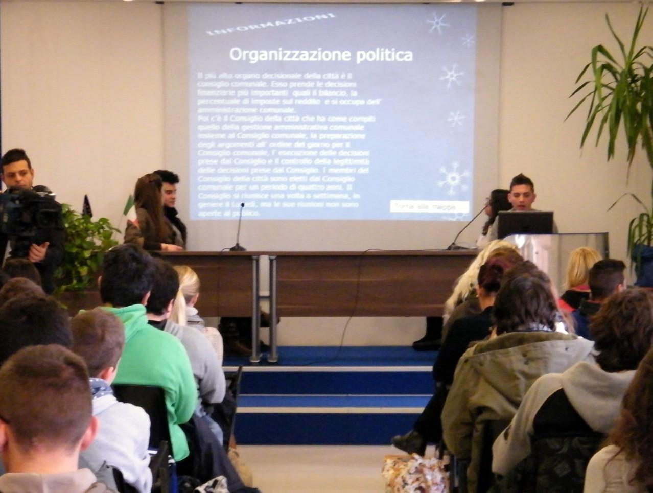 Gli studenti italiani presentano i risultati delle loro ricerche svolte in Finlandia