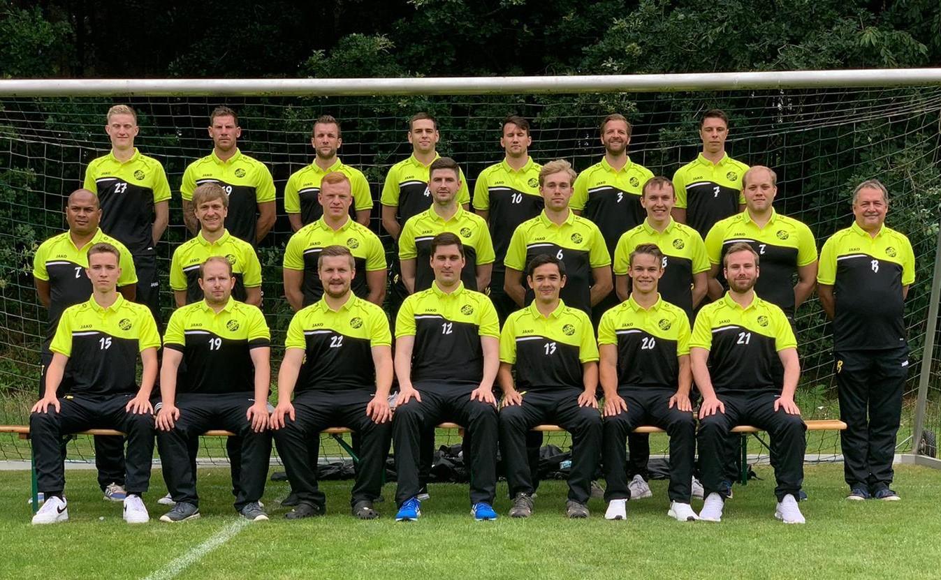Danke an Niklas Müller für die schicken Poloshirts!