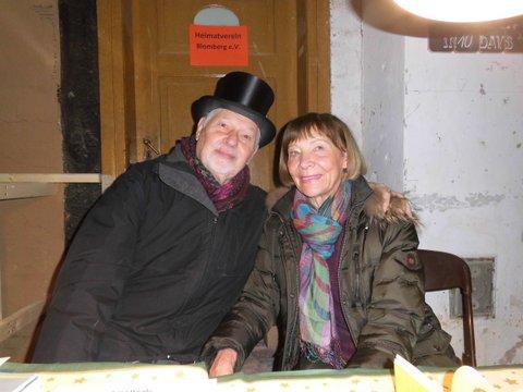 Inge und Hasso Suffenplan am Informationsstand