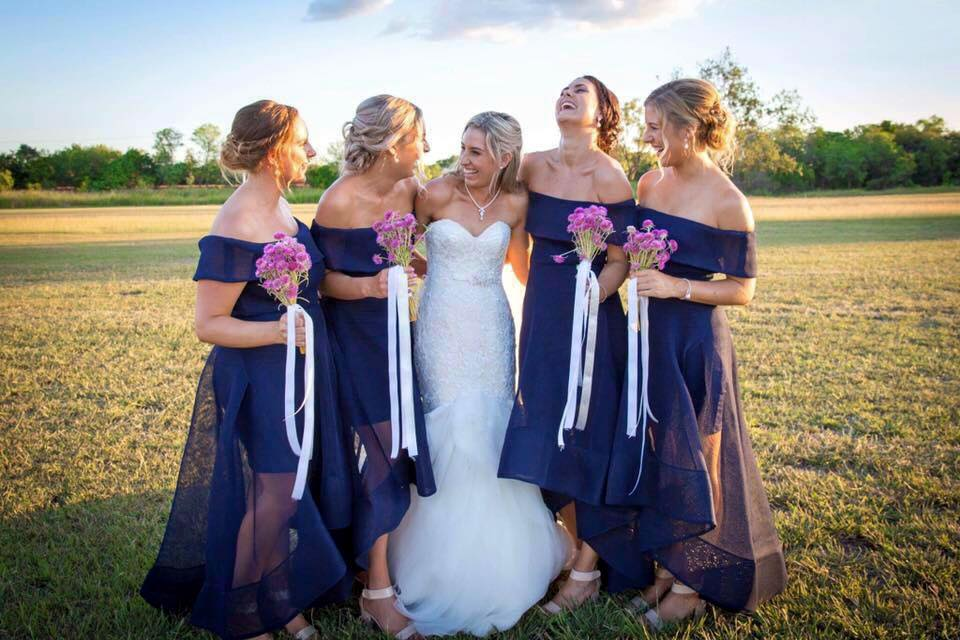 Nadia and her bridesmaids