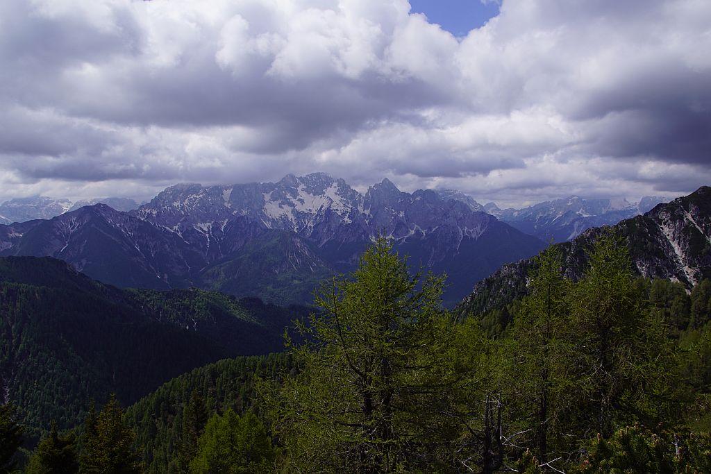 Vom Gipfel sind die Julier fast zum Greifen nahe