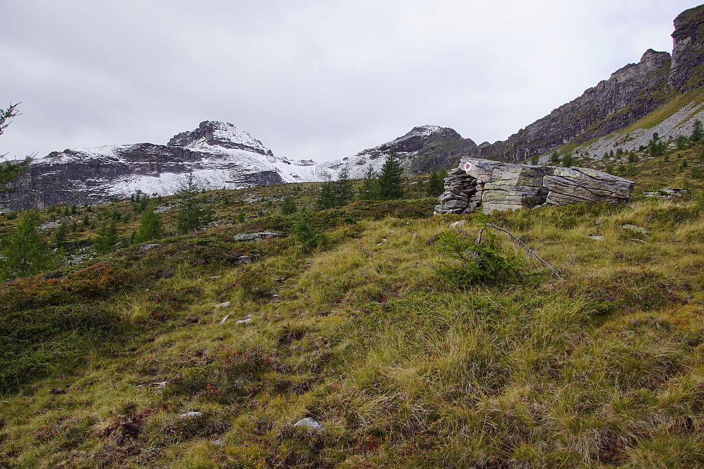 Es wird norwegisch, rechst hinten der frisch angezuckerte Gipfel