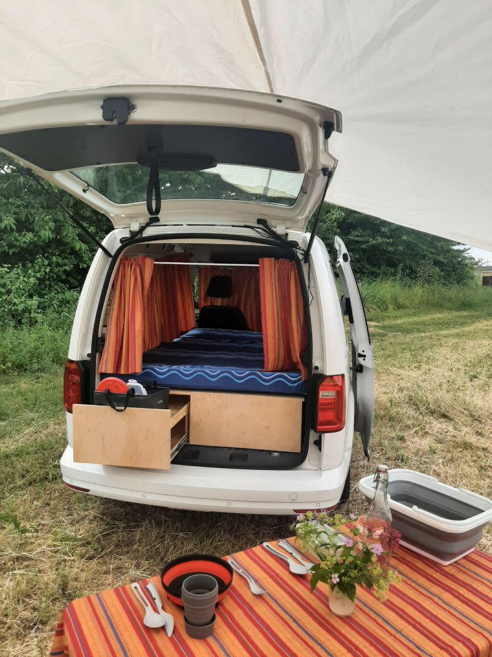 Lieferwagen fürs Campen umbauen