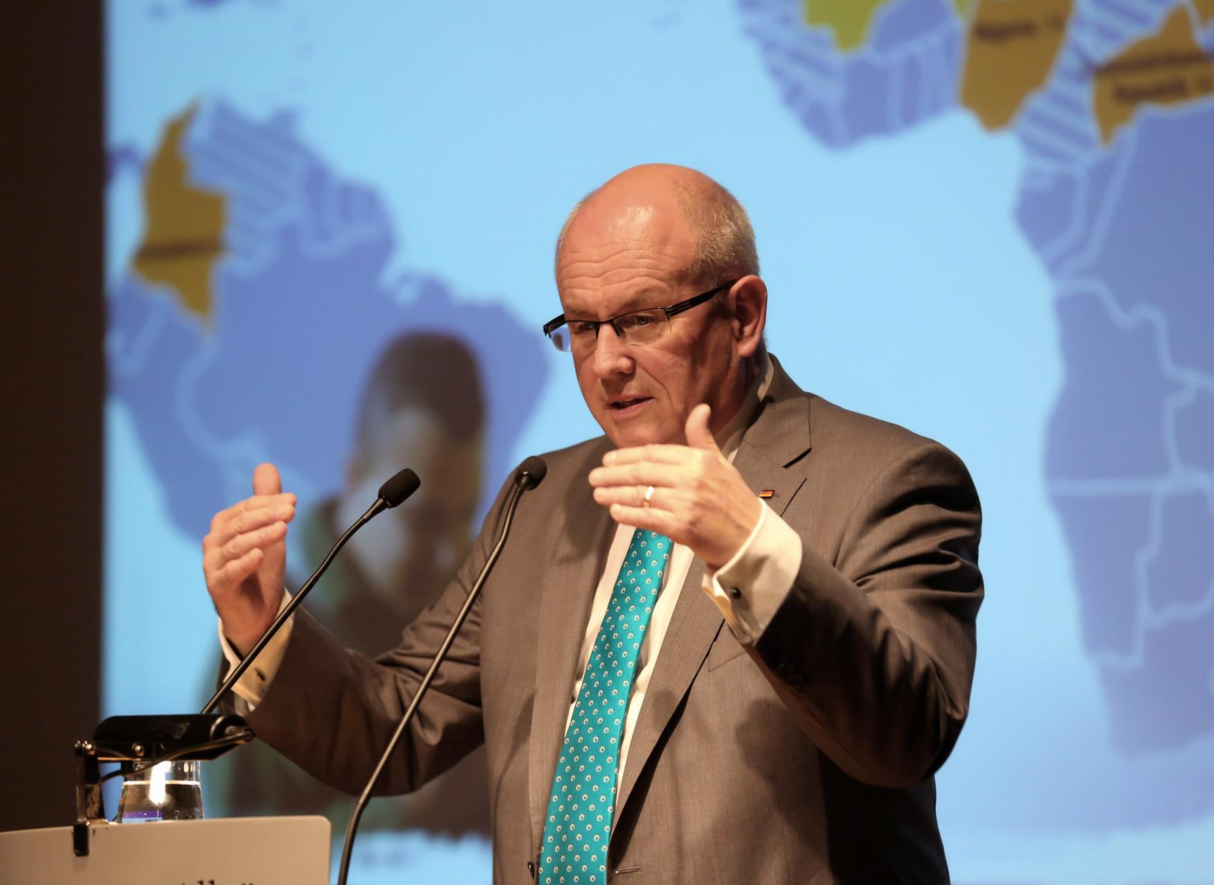 Volker Kauder bei seinem bemerkenswerten Vortrag