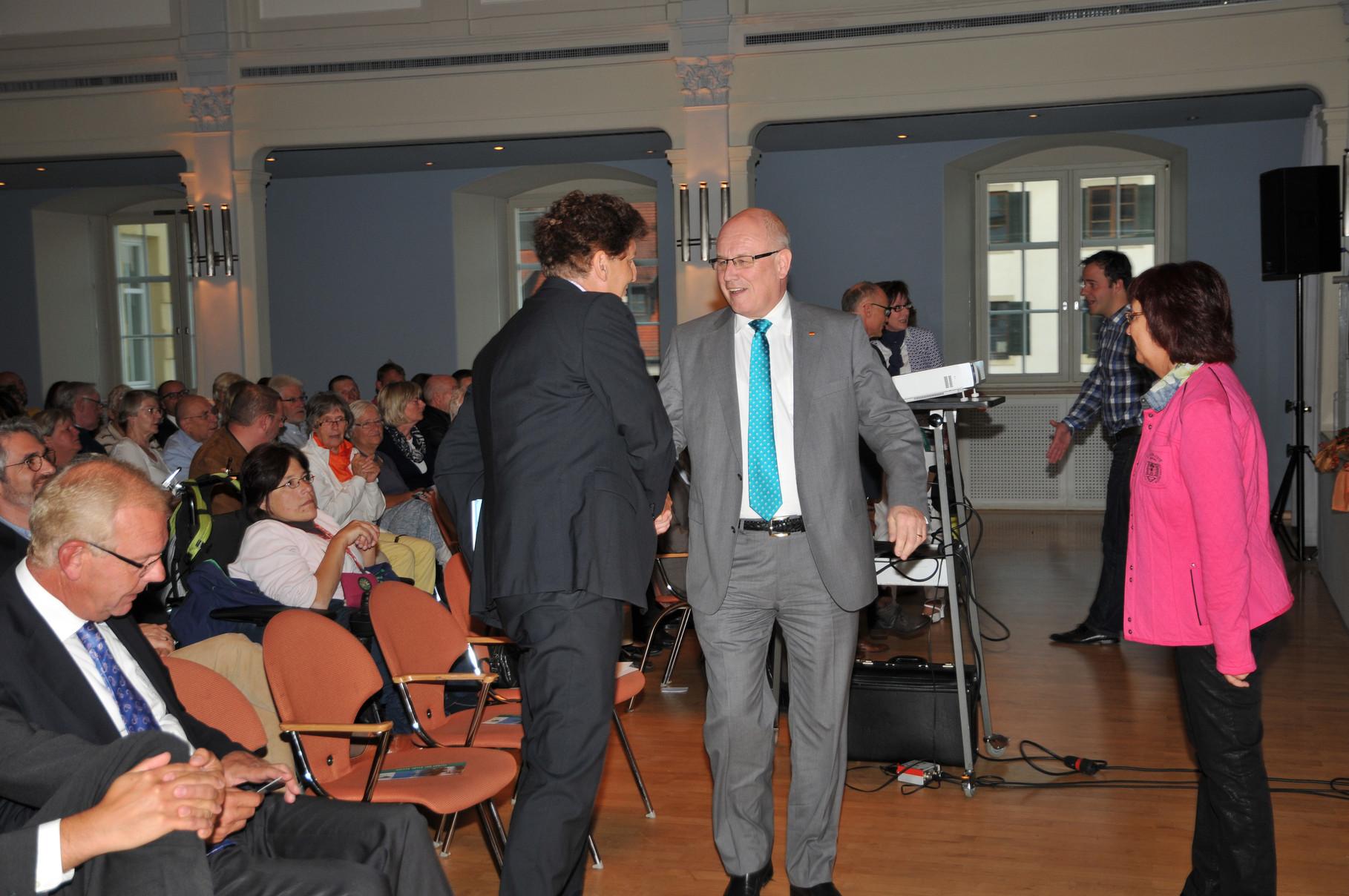Begrüßung von Volker Kauder im Kornhaus in Kempten