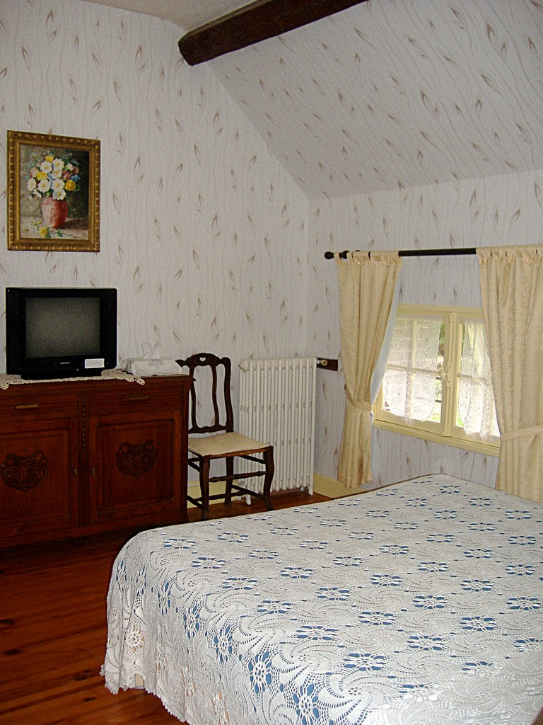 The Louise bedroom