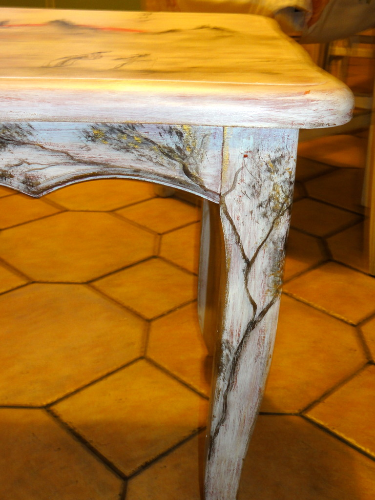 Table chinoise. Rénovation de meuble en bois