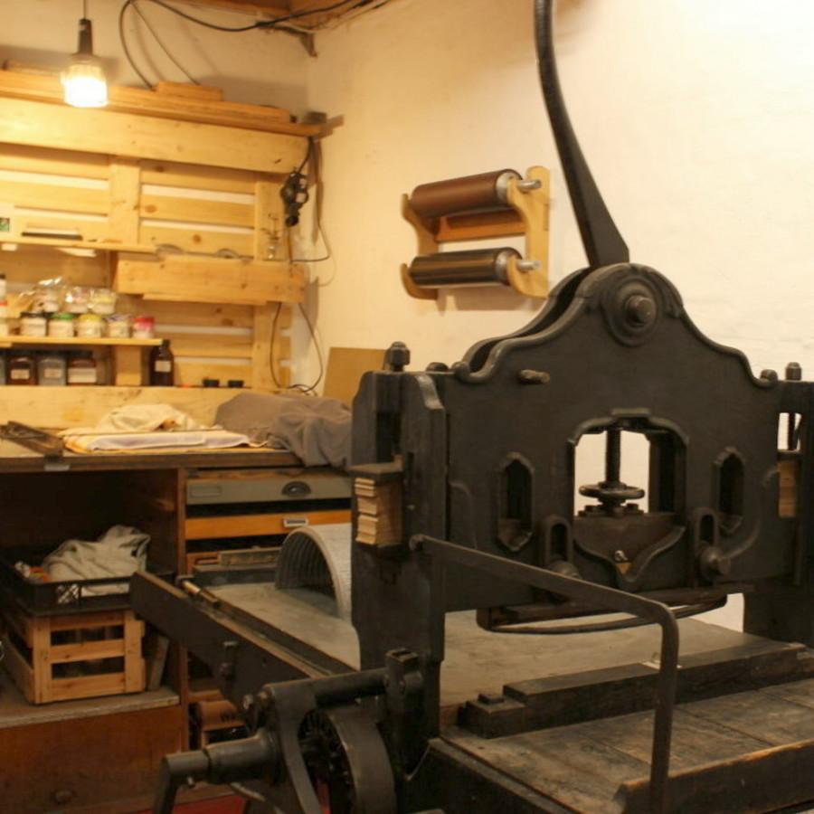 Unteres Stockwerk/Lithografiepresse (Schierbrok)