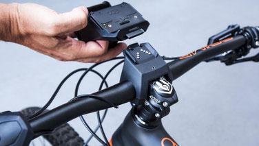 Die Bedienung des COBI:Bike Systems - für mehr Sicherheit wird es über einen Controller am Lenker bedient