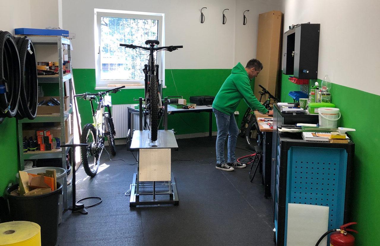 Inspektion, Wartung, Reparatur und Software Updates in der hauseigenen e-Bike Service Werkstatt