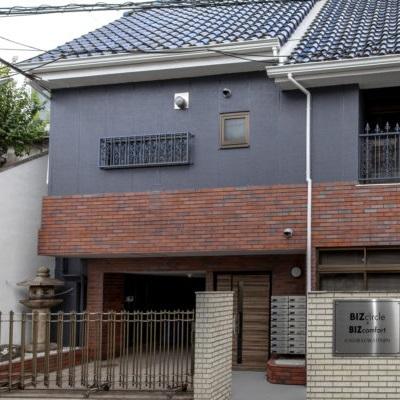 東西線「神楽坂駅」2番出口から徒歩3分の住宅街に教室があります。