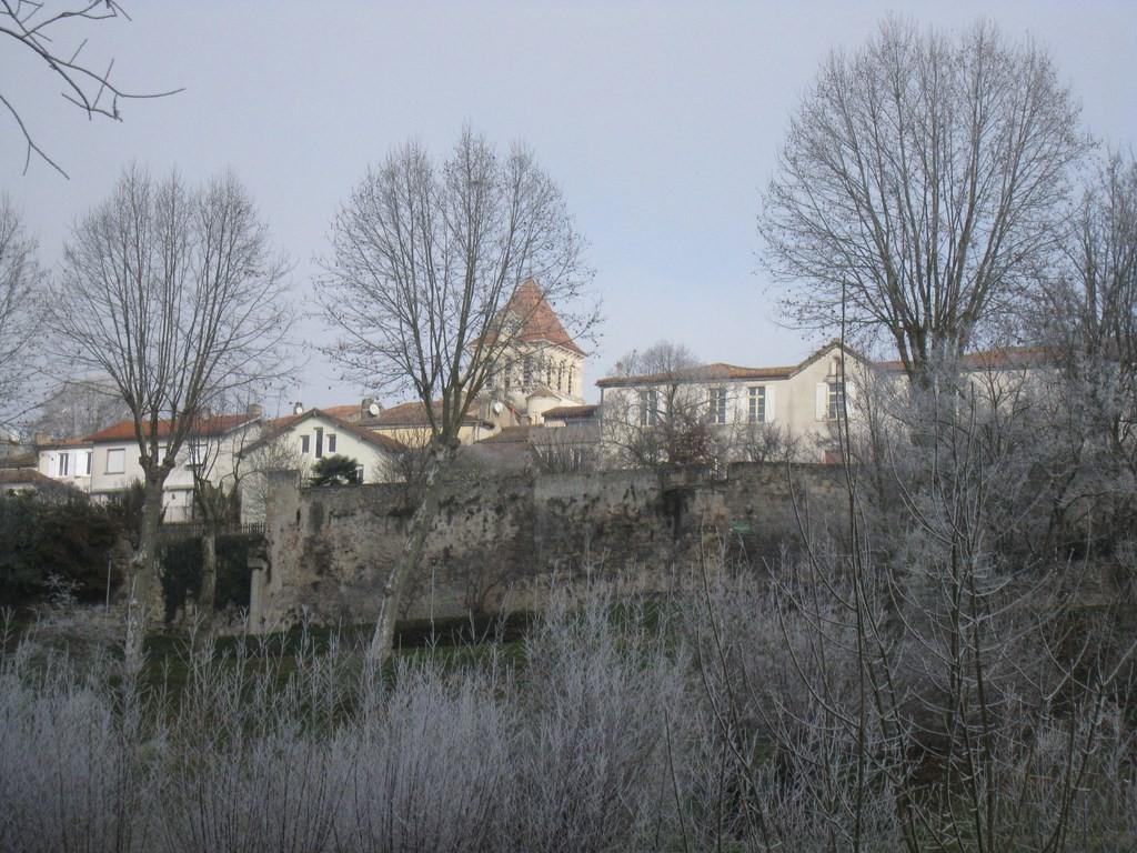 Vallée de la Gélise -  L'église de Mézin le 2 janvier 2015