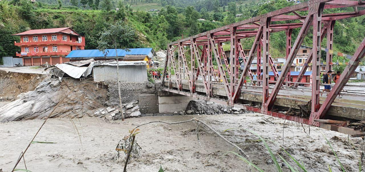 In einigen Gebieten kamen noch verheerende Überschwemmungen dazu