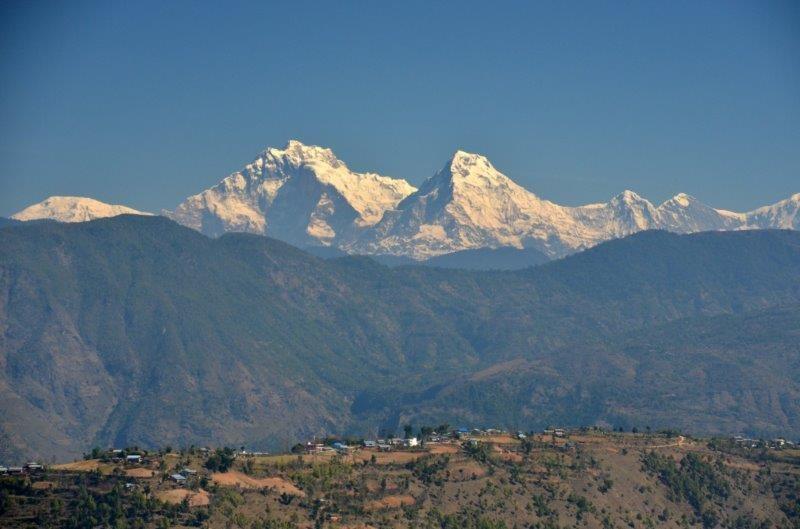 Während der Fahrt ein unvergleichliches Panorama, hier der Daulaghiri (8167m)