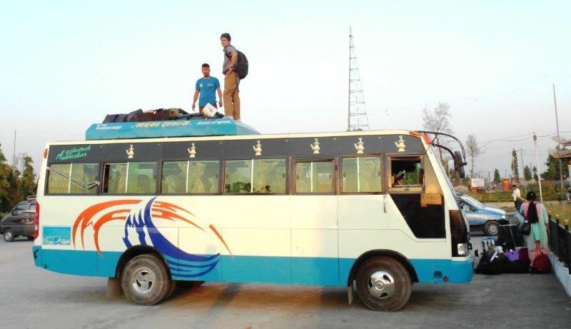 Ab in den Kleinbus nach Tamghas, Gulmi