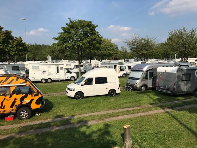 """""""größter Stellplatz der Welt"""" CaravanSalon Caravan Salon Düsseldorf 2017 Reisemobil Wohnmobil Messe Messebericht Camping"""