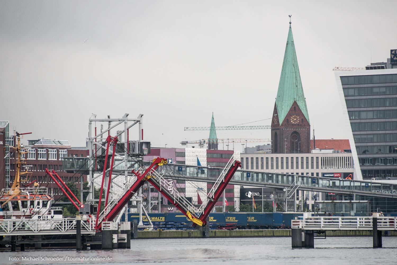 Dreifeldzugklappbrücke in Kiel