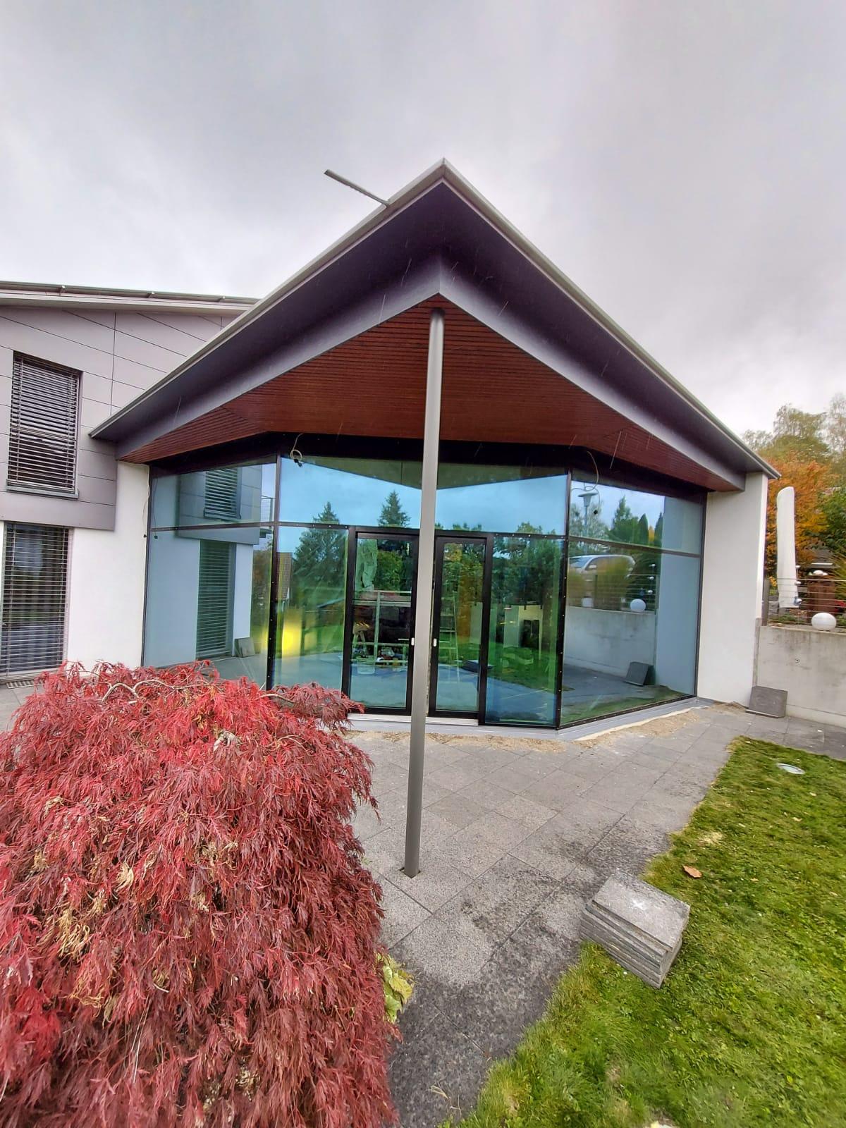 Neugefertigte Glazing-Fassade
