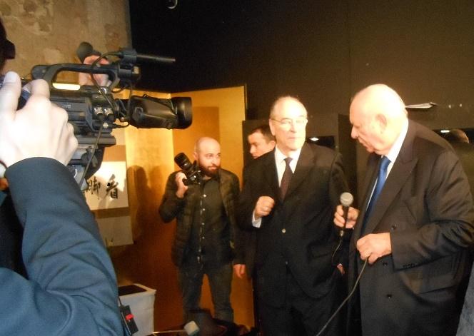 LE SENATEUR MAIRE Jean-Claude GAUDIN (à droite) et le PRESIDENT DE LA M.A.M.A Jacques ROCCA SERRA.