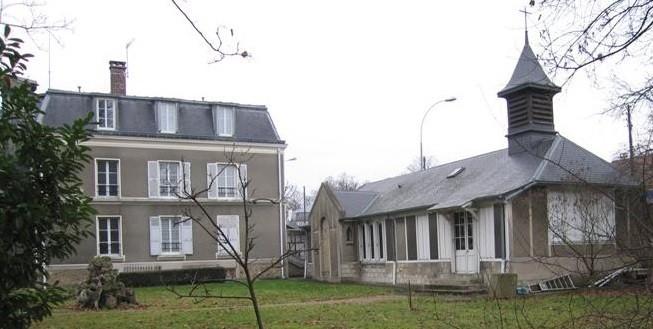 LA GRANDE PROPRIETE DE L'ESSONNE, où 9 SOEURS VIVENT EN COMMUNAUTE et ACCUEILLENT DES MERES DEMUNIES.